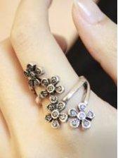 New Fashion Four Flower Alloy Elegant Ring