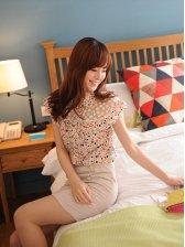 Korea New Fashion Colored Dots Cap Sleeve Blouse