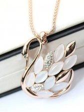 Glamorous Women Rhinestone Decoration Swan Shape Necklace