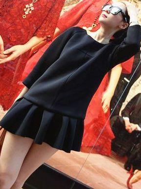 Simple Atmospheric Ruffles Hem Solid Color Long Sleeve Dress