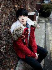 2013 Korea Men Pure Color Horn Buttons Fur Hooded Cotton Outwears