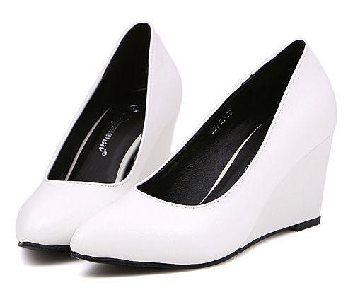Latest Popular Style Joker Flange Chunky Pure White Flats