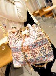 National Vintage Style Floral Pattern Inside Pocket Hole Chain Shoulder bag