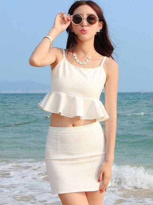 Sexy Feminine Spaghetti Strap Off Shoulder Ruffles Cropped Tops&Package Hip Mini Skirts Sandy Beach Twinset Dress