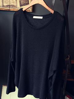 2014 Korea Style Women Sweater Pullover Round Collar Loose Long Bat Wing Sleeve Black Sweater