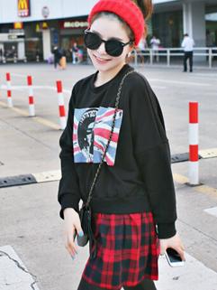 Fresh Fashion Item Women Pullover Hoodies Flat Pattern Printing Leisure Street Style Look Female Top