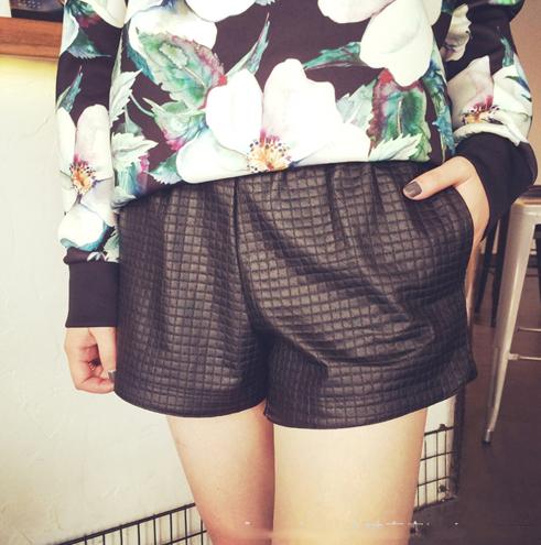 High Quality Plaid Pattern Korean Hot-selling Short Pant Mid-waist Vertical Pocket PU Easy Match Short Pant
