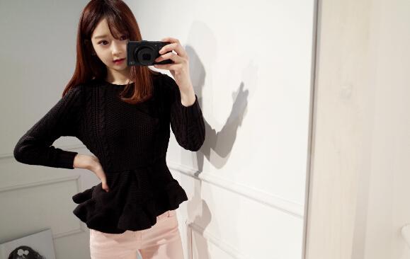 2014 Korean New Coming Honey Girl Pullover Sweater Slim Wear Pure Color Ruffle Hem Long Sleeve Elegant Sweater