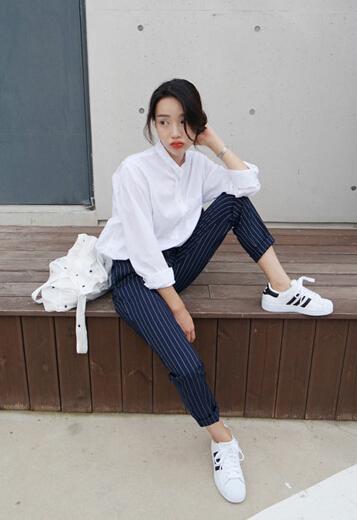 Korean Classic Look Mid-Waist Striped Printed Pockets Street Pant