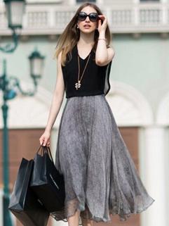 Summer New Fashion Sexy And Elegant Black V Neck Chiffon Sleeveless Dress
