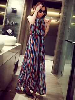 Womenly High Quality Printed O Neck Sleeveless Elegant Vent Chiffon Dress
