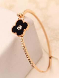 Korean Style Four Leaf Clover Beautiful Bracelet