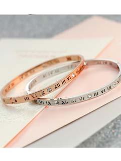 Hollow- out Letter Diamond Drilling Korean Bracelet For Woman