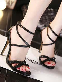 Euro Style Front Cross Rivets A Buckle Womans Shoes Black Pumps