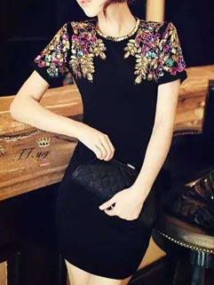 Stylish And Elegant Black Sequined Embellished Fitted Dress