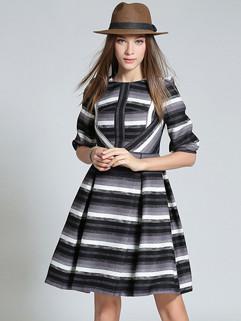Japan Stripe Crew Neck Fashion Dresses