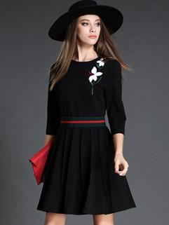 Chic Floral Embroidery Elegant Black Dresses