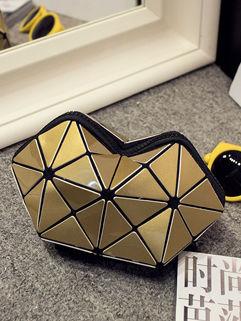 Chic Geometric Pattern Zipper Clutch Bag