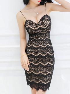 Black Low Cut Spaghetti Straps Lace Dress