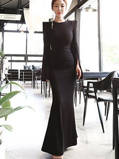 Black Slit Long Sleeve Fishtail Maxi Dress