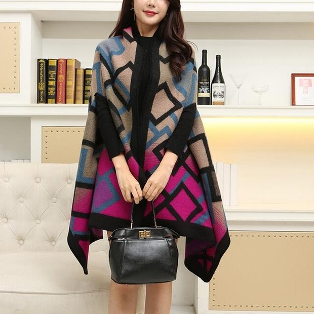 Outlet Elegant Style Plaid Scarves for Women (3-4 Days Delivery)