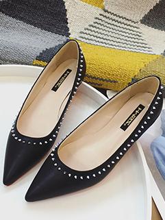 Heighten Rivets Pointed Toe Women Flats