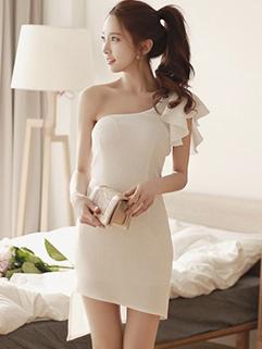 Sexy One Shoulder Flounced Sleeve Dresses