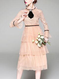 Elegant Lace Pleated Flare Sleeve Dresses