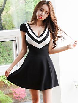 Plunging V Neck Contrast Color Short Sleeve A-line Dress