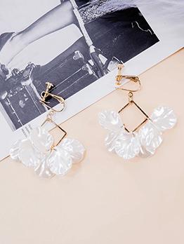 Simple Design Shell Shape Clip Creative Earrings
