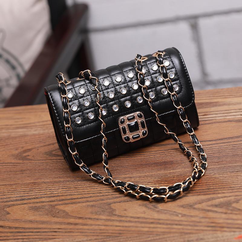 Wholesales7 Diamond Pattern Flap Shoulder Bag
