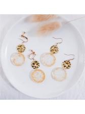 Stylish Golden Foil Round Earring
