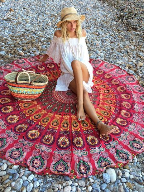 Summer Peacock Tail Printed Round Beach Blanket