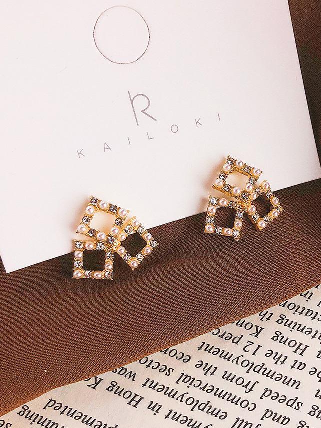 Hollow Out Geometric Rhinestone Pearls Ladies Earring