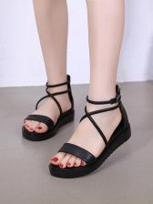 Solid Color Crossed Straps Zipper Up Roman Sandals