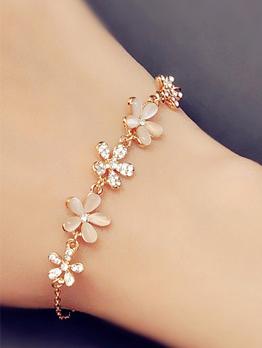 Elegant Flower Alloy Material Bracelet