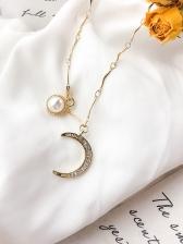 Fashionable Moon Shape Pearl Rhinestone Necklace