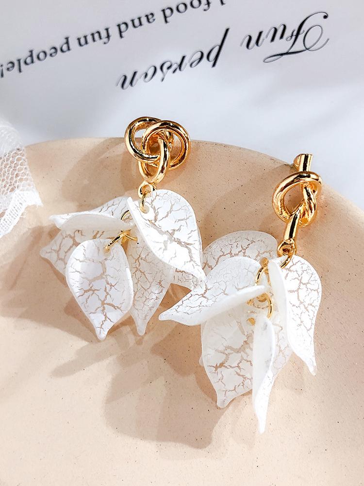 Cracked Leaves Metal Knots Asymmetric Earrings