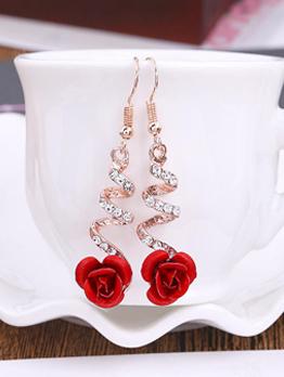Chic Rhinestone Rose Design Earrings