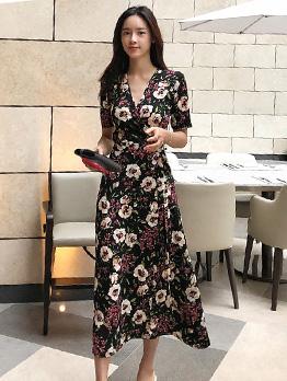 V Neck Tie-Wrap Flower Short Sleeve Midi Dresses