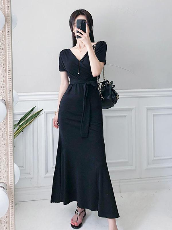 Minimalist V Neck Tie-Wrap Black Maxi Dress