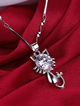 Elegant Kitty Pattern Rhinestone Women Necklace