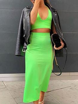 V Neck Halter Crop Top With Solid Skirt