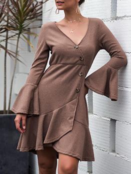 V Neck Flare Sleeve Knitting Dress