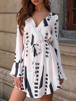 Elastic Waist V Neck Geometric Print Short Dress