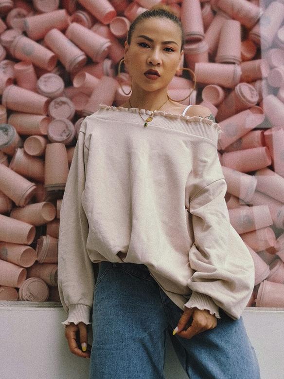 Simple Design Solid Loose Long Sleeve Sweatshirt