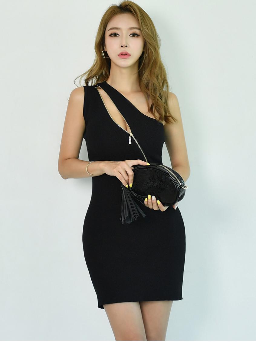 Inclined Shoulder Zipper Sleeveless Dress