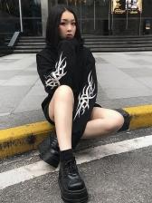 Dark Gothic Printed Reflective Chain Cropped Black Hoodie