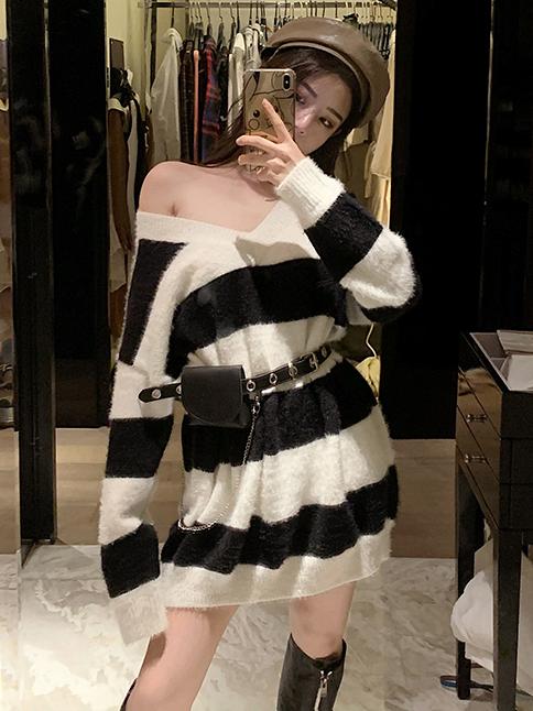 V Neck Contrast Color Long Sleeve Sweater Dress