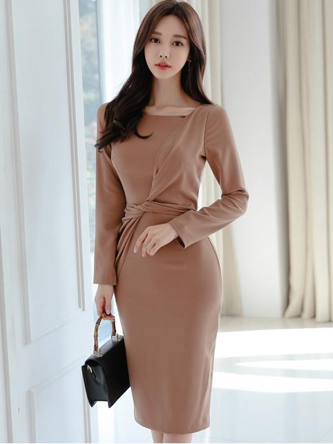 Graceful Twist Solid Long Sleeve Bodycon Dress